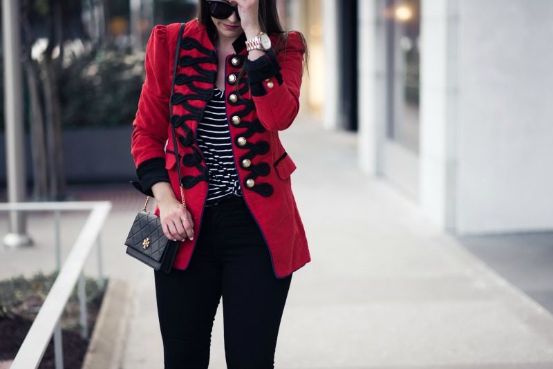 SEAMED AND STRUCTURED BLAZER