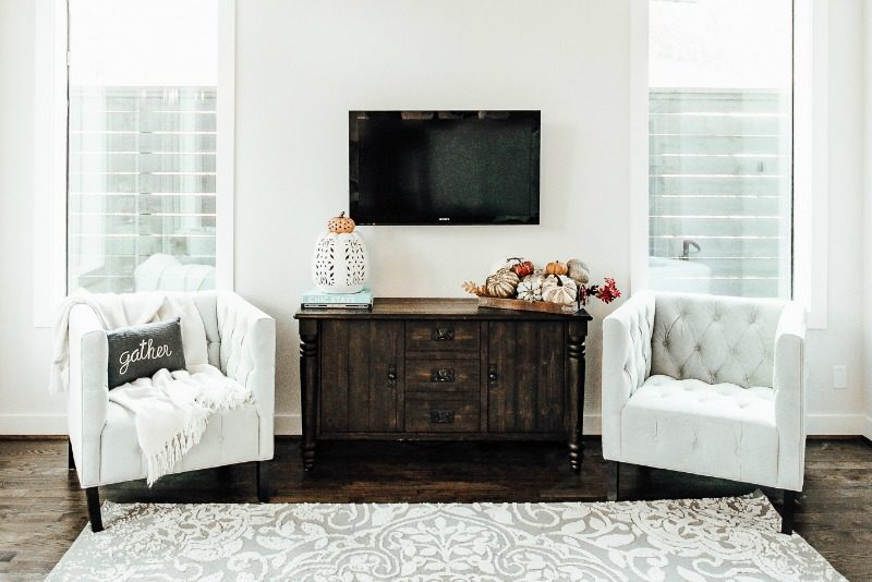 THANKSGIVING DECOR by Houston style blogger The Styled Fox