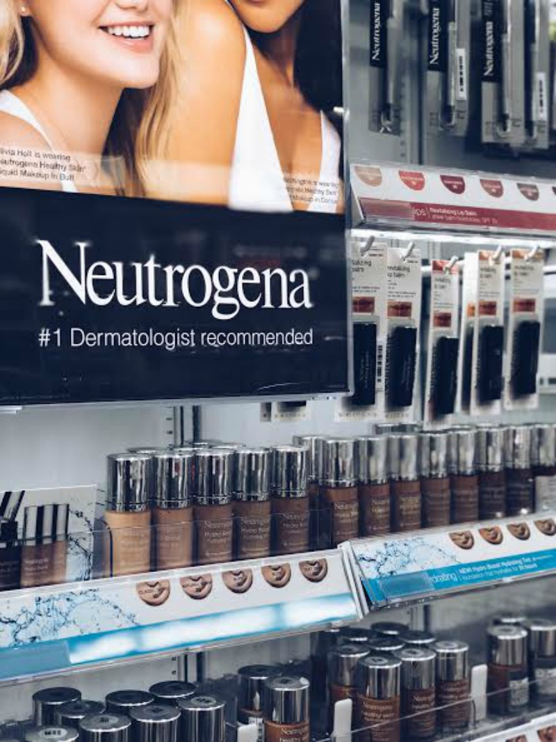 Neutrogena® Cosmetics, eutrogena® Hydro Boost Cosmetics, Neutrogena® SkinClearing Cosmetics - BEAUTY RESET WITH NEUTROGENA COSMETICS by popular Houston style blogger The Styled Fox