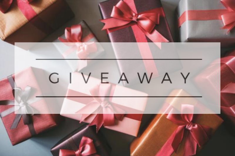 Holiday Giveaway featured by US life and style blogger, By Jen Rose